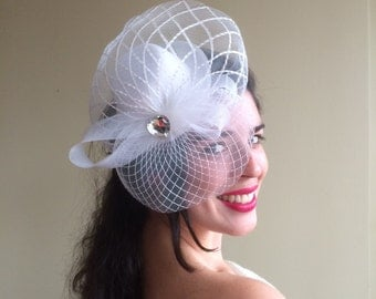SINAMAY FASCINATOR , with Feathers, White  /  F - 45