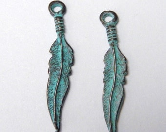 5 Verdigris Green Feather  25mm Charm Pendant Drop - Cast Mykonos