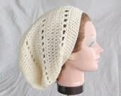 Crochet Slouchy Beanie Hat in Off White