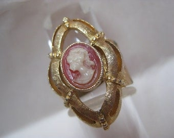 Cameo Orange Off White Gold Ring Adjustable Vintage