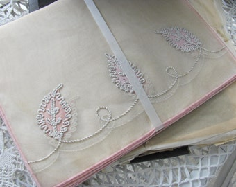 Wow...Lowered Price..Vintage Napkins and Placemats, New in Vingage Box