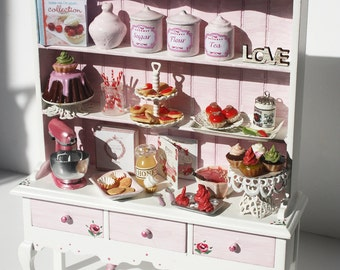 Romantic Cabinet  - 1/12 scale by TinyDelights