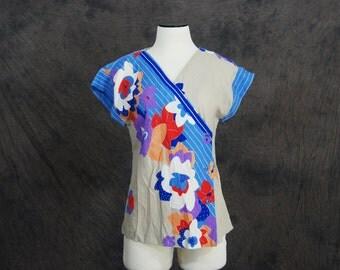 CLEARANCE vintage 70s Blouse - 1970s Tropical Floral Wrap Shirt Sz M
