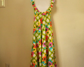 Vintage maxi dress Hilda Hawaii Liberty House 1970s sleeveless bib front ruffles flowers Spring and Summer wear xs