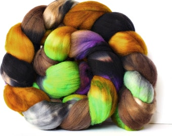 Zombie Ball 4 oz Targhee Roving Wool Superwash-Handpainted Top for Spinning or Crafting