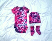 Welcome Baby Tie Dye Gift Set - Pink and Purple - Choose Size