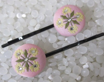 Beautiful hairpins, soft creamy with colorful leaves