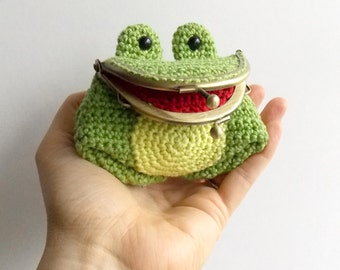 Freddie The Frog - Amigurumi Coin Purse Pattern