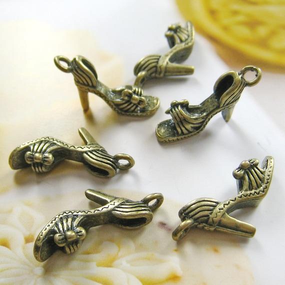 20 pcs 20mm - antique brass high heeled sandal charms/pendant(CM036)