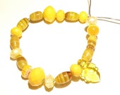 20% OFF -- DESTASH -- 20 Smaller Assorted Glass Beads in Shades of Yellow -- Lot HH