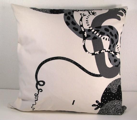 Scandinavian Pillow Design : SCANDINAVIAN DESIGN PILLOW