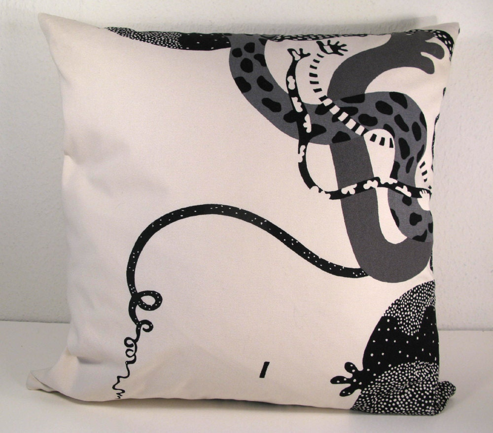Scandinavian Style Pillows : SCANDINAVIAN DESIGN PILLOW