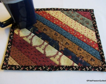 Snack Mat Mini Quilt, Quilted Mug Rug, Quilted Coaster Reproduction Fabrics no5