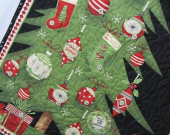 Advent Calendar Christmas Tree, Quilted Advent Calendar Tree Ornaments, Advent Calendar Wall Hanging, Green Black Red Advent Calendar