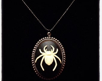 Sale! spider cameo necklace