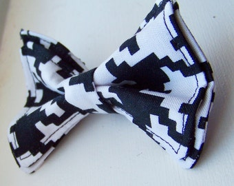 Boys Bow Tie - Large Houndstooth Bow Tie 6-12 years - Bow Tie - Bow Ties Toddler - Newborn Bow Tie - Bowtie - Black and White Bow Tie