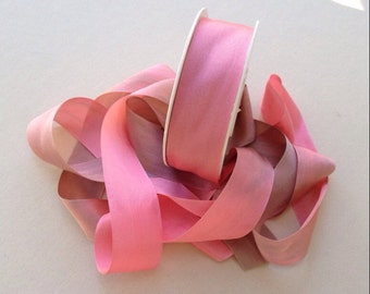 1 metre of 25mm silk ribbon (colour V116 variegated pink/brown)