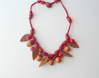 Wooden Acorn Necklace with Leather Leaves. 1940s Red. Wood Berries.