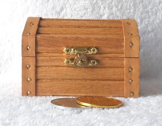 Wooden treasure chest small