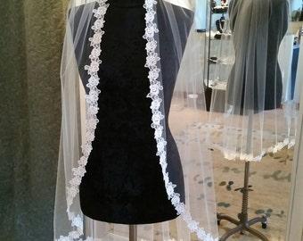 Lace Trim Fingertip Ivory Bridal Veil