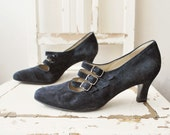 SALE...80s black suede shoes. 30s style shoes. strappy shoes. black suede shoes - eur 38.5 us 8 uk 5.5