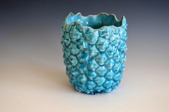 porcelain vase turquoise pineapple cool vase. Black Bedroom Furniture Sets. Home Design Ideas