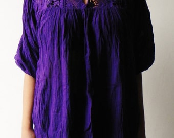 Mexican Purple Blouse 100 % Cotton Vtg Style Lovely Floral Embroidered Spring / SummerOne Size