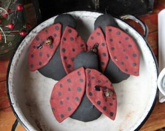 Primitive Ladybug bowl fillers Ornies