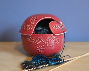 ceramic yarn bowl with lid in Wine