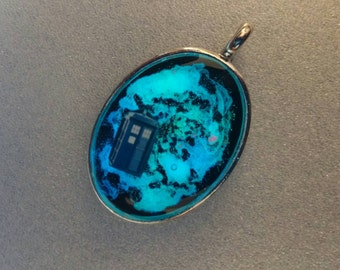Police Box Spaceship Glow In The Dark Pendant Necklace