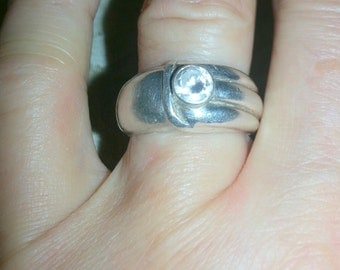 Silver mark large size 7.5 cubic zirconia stone ring very nice and round shape