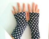Blue navy  polka-dotted gloves  velvet gloves