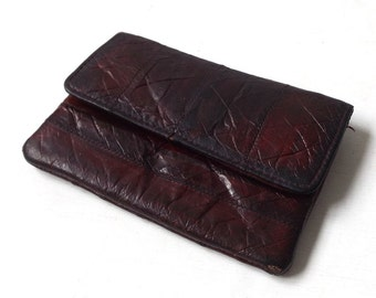 vintage 1970's eel skin small coin purse womens fashion maroon red mid century retro animal leather accessories accessory rectangular holder
