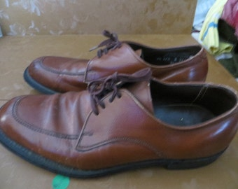 1950  MAD  mens laceup brown leather shoes  SZ    8 1/2 d