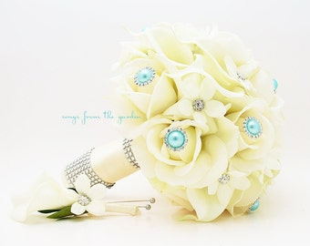 White & Ivory Bouquets