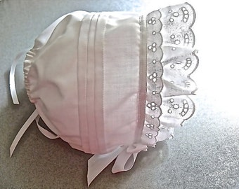 Lace and Tucks lined Solid White Baby Bonnet sz newborn through 12 months