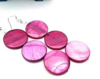 Fuchsia Mulberry Dangle Beaded Earrings, Raspberry Mod Shell Earrings for Her, Gift Ideas for Mom Sister Girlfriend Aunt Lover