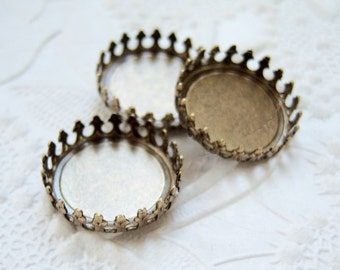 3- Antiqued brass 15mm round crown edge settings - NB201