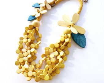 Vintage Bright Yellow Wood Flower Statement Necklace 26  Inches