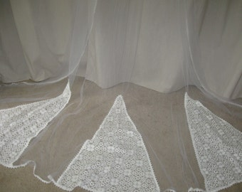 Vintage 60s Cathedral Lace Ivory White Long Wedding Bridal Veil Headpiece