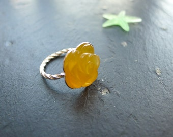 Glowing chalcedony  ring, boho design, sterling silver ring, size 8, spring ring
