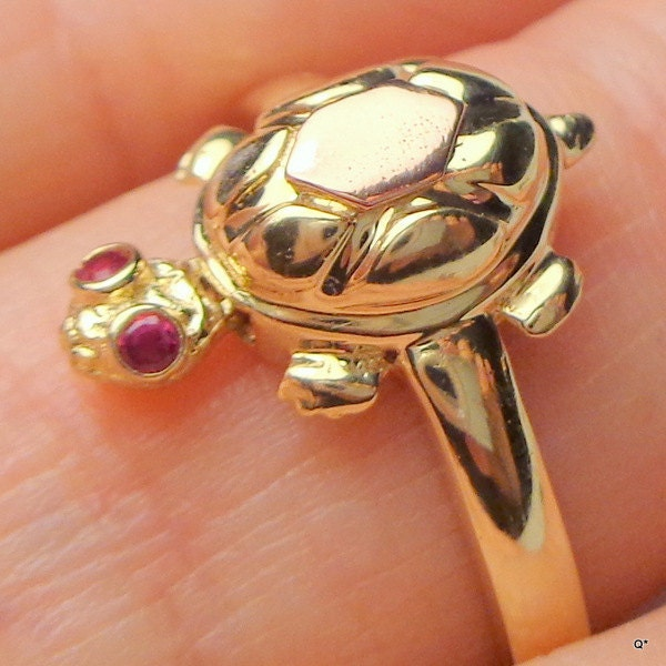 vintage jewelry14kt two tone gold turtle ring genuine ruby. Black Bedroom Furniture Sets. Home Design Ideas