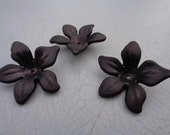 Black Lucite Flower Beads 30mm X 10mm 10pcs (Item Number BL3010)