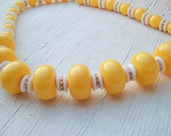Yellow and white plastic beads chunky Vintage necklace