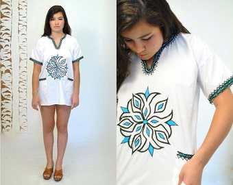 Mexican Tunic  //  70s Embroidered Top  //  THE IXTAPA