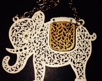 vintage white  and gold elephant nexklace  vintage jewelry