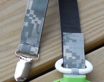 Army Baby US Army Fabric Pacifier Holder Military Baby Pacifier Holder  ACU Camouflage Fabric Pacifier Holder Binky Clip