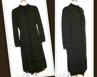 1960s Adele Simpson Brown Wool Minimalist Vintage Shift Dress