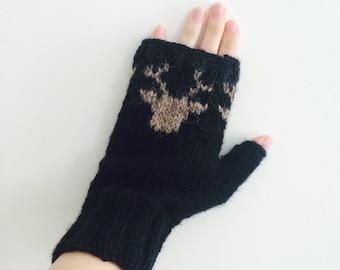 Black Fingerless Gloves - Scandinavian Christmas Reindeer - For Men and Unisex