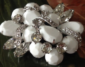 Layered Eisenberg Milk Glass Faceted Stones Brooch – Signed 1950s Jewelry